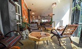 Čajovna a cestovatelský klub Oriental Lounge